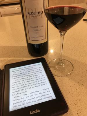 【呑ん読会】今日は結婚記念日なので、ちょっといい赤ワインを飲みながら。先月から読んでいるRebeccaも3/4を過ぎ、益々面白くなってきた。