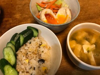 きのう何食べた? 3 (モーニング KC) >> https://i.bookmeter.com/books/576674  レシピ実践メモ 「うなぎと高菜と卵の混ぜごはん」簡単で美味しかった。また作りたい(^ ^)